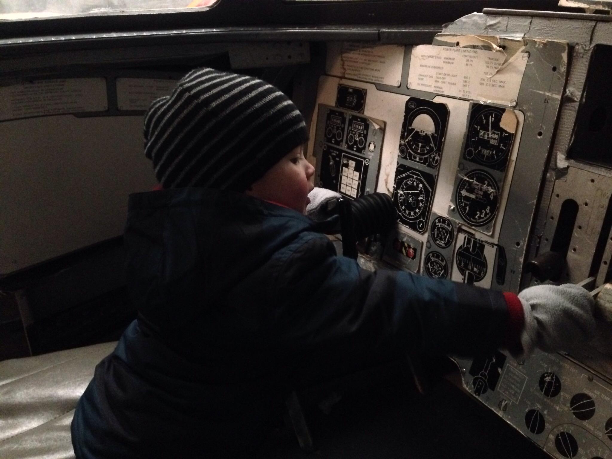 pretend cockpit north east air museum in sunderland