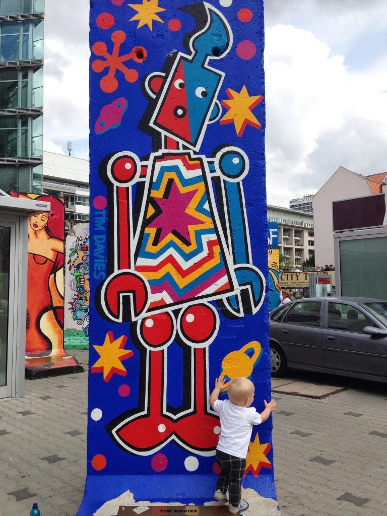 baby with berlin wall