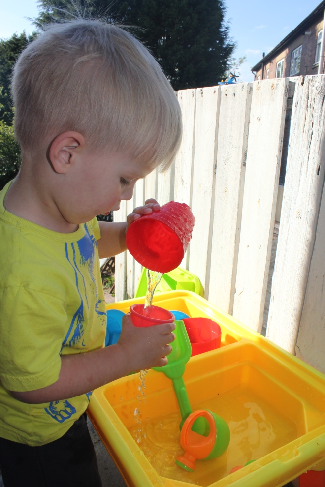 smyths water table play