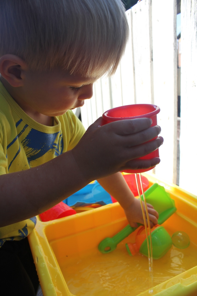 stacking cup symths water table