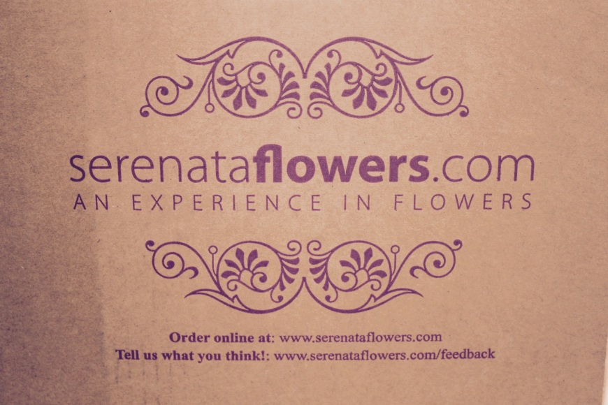 Serenata flowers box delivery