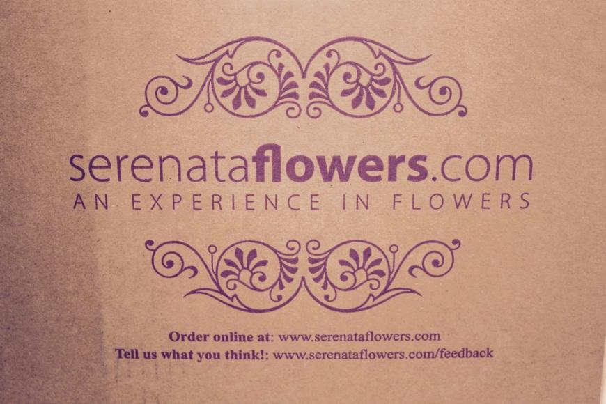 Serenata flowers box delivery
