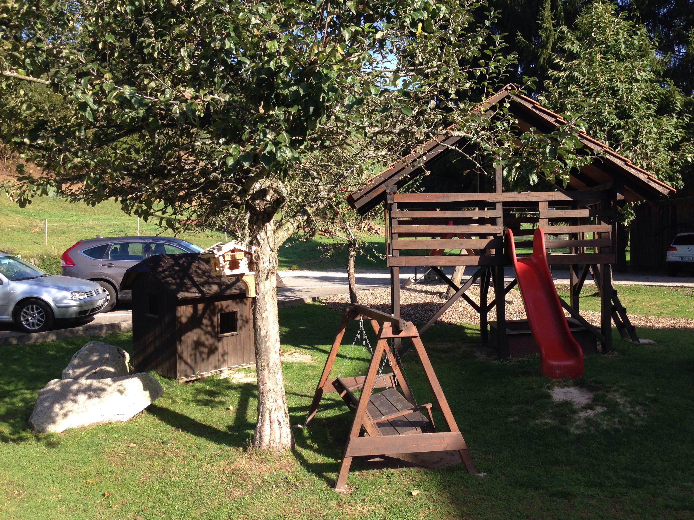 hotel zum froehliche landmann play area
