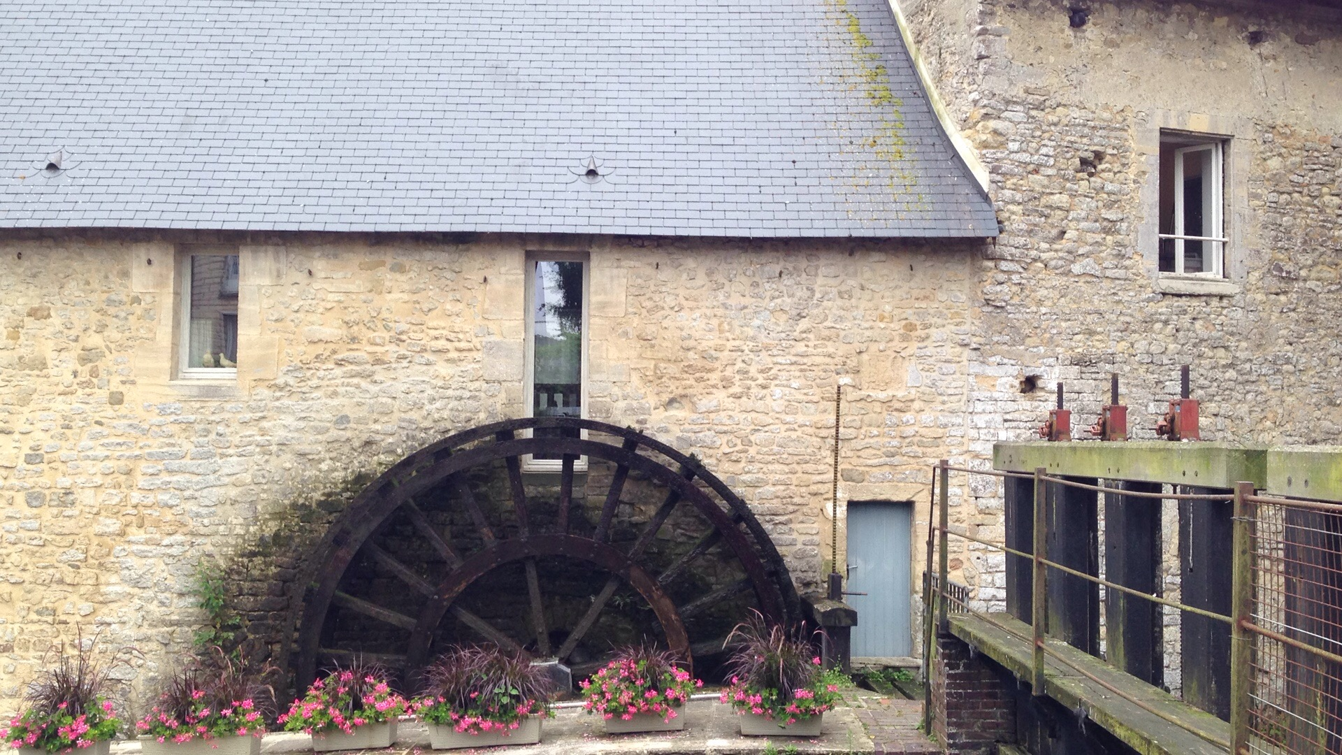 water wheel in bayeux france