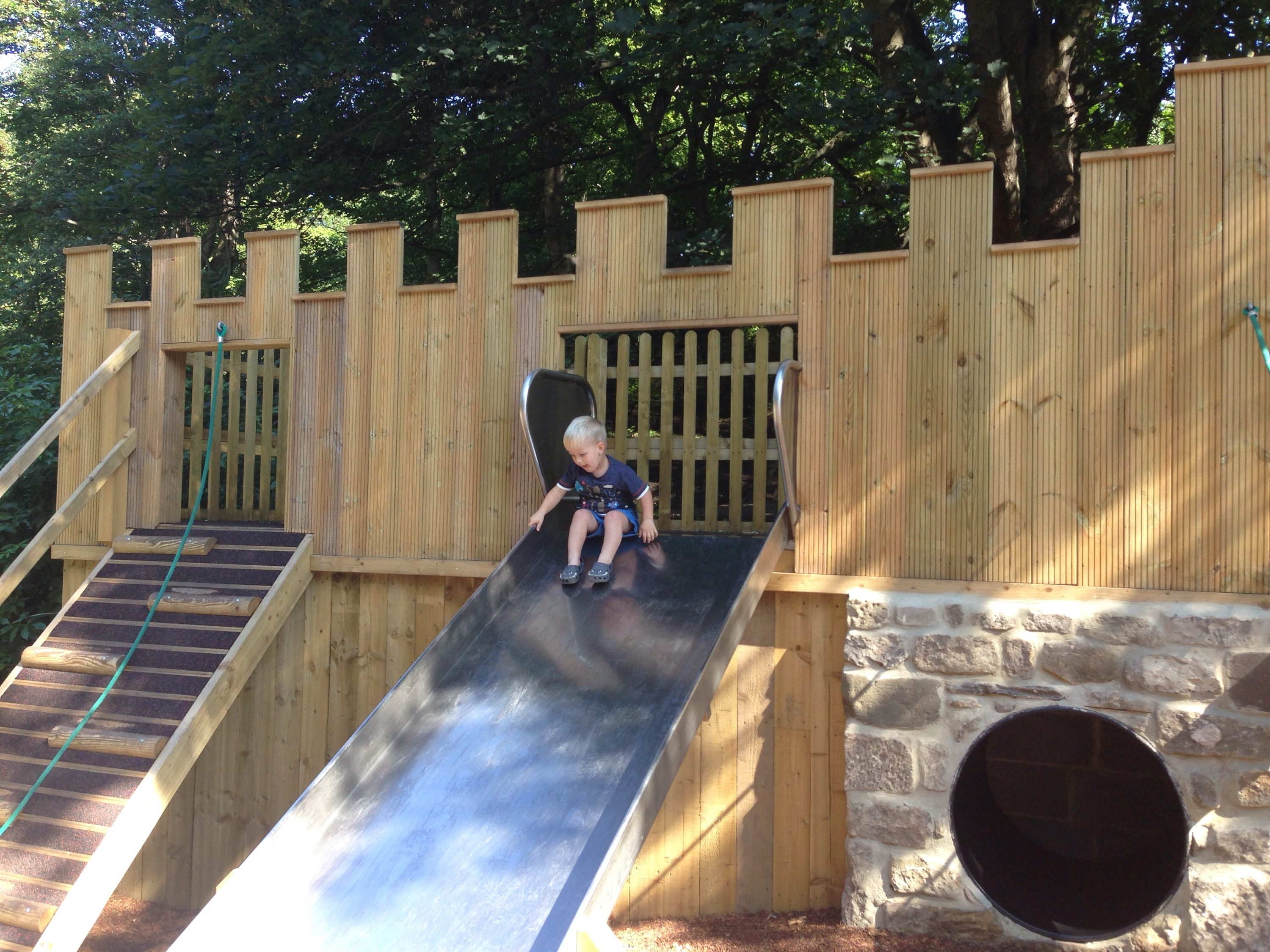 playgrounds in north tyneside - northumberland park castle and slide