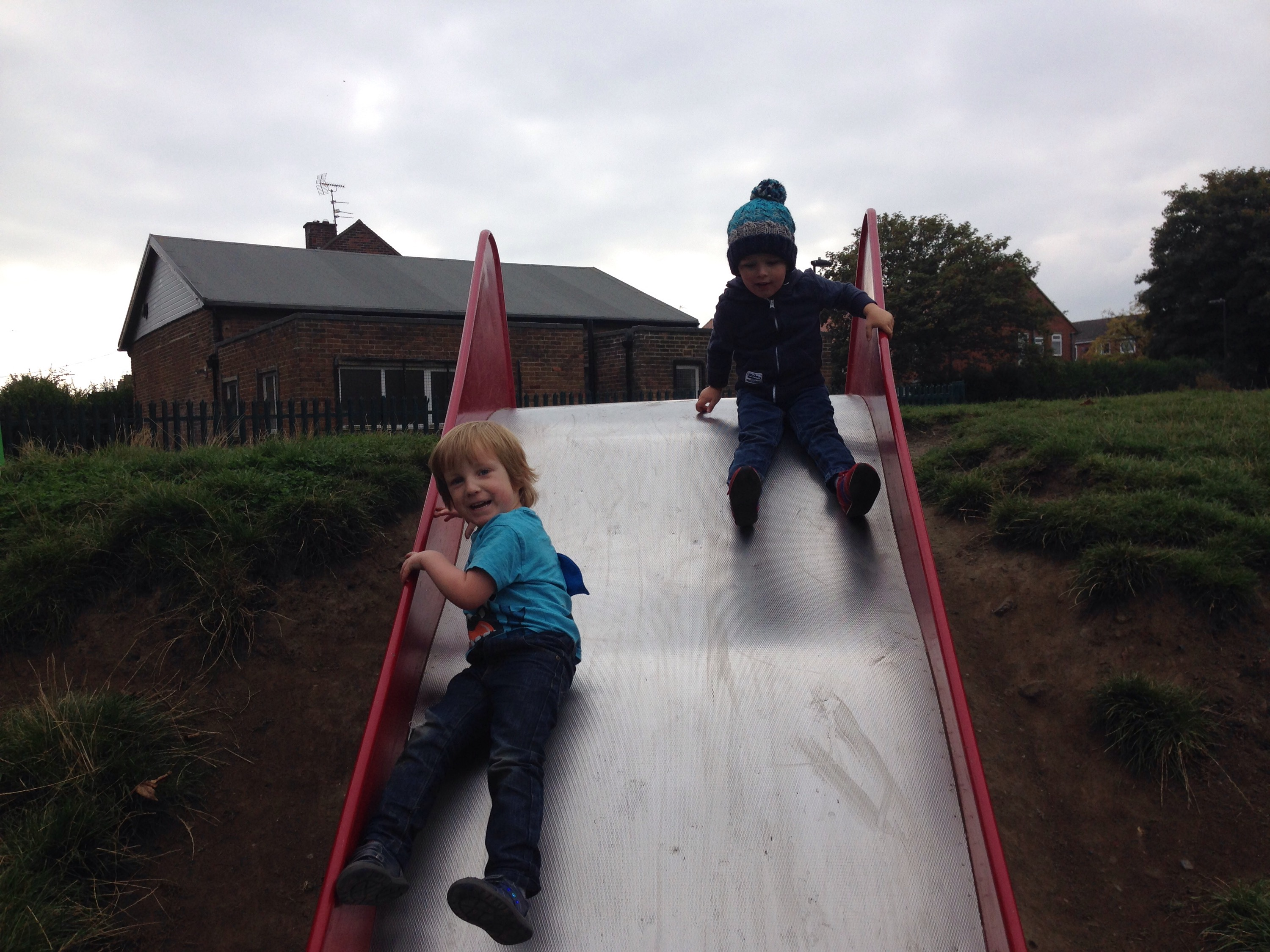 north tyneside playground link road slide