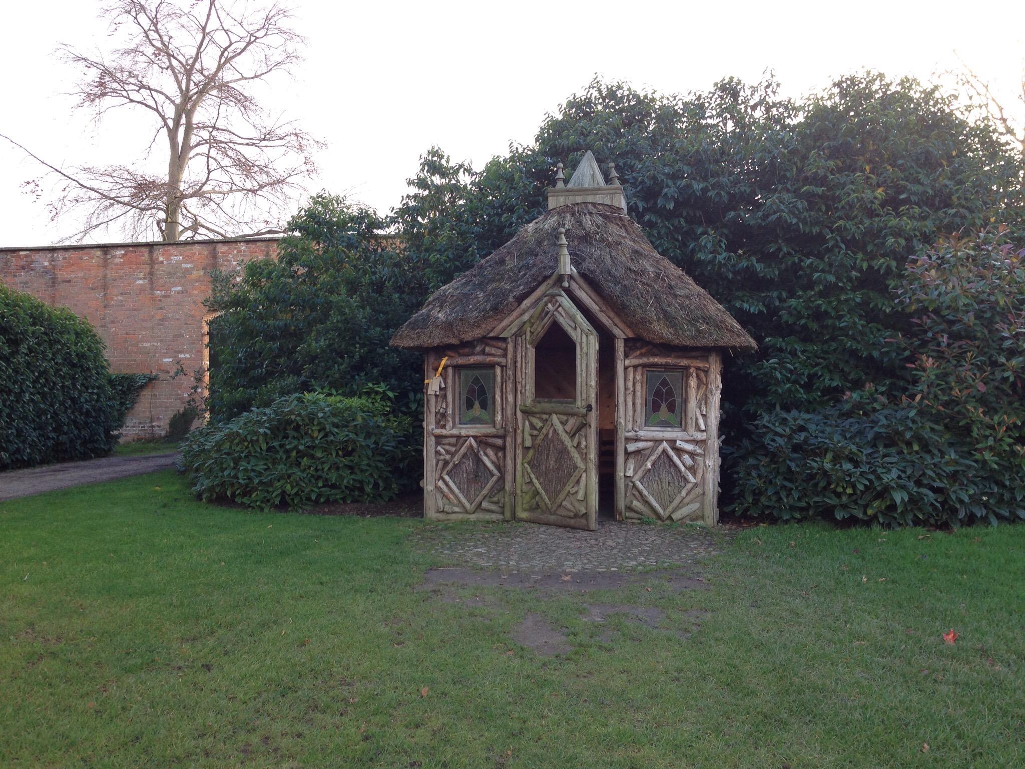 little garden house at erddig